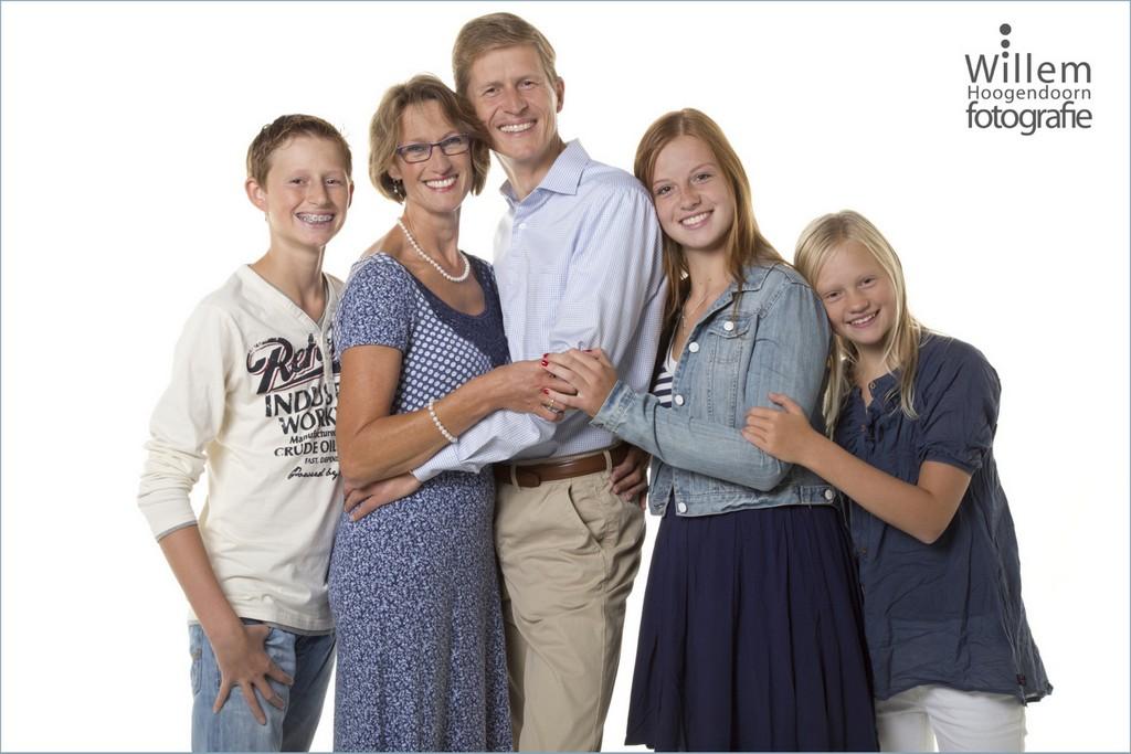 familiefoto familie fotoshoot door Willem Hoogendoorn Fotografie Woerden