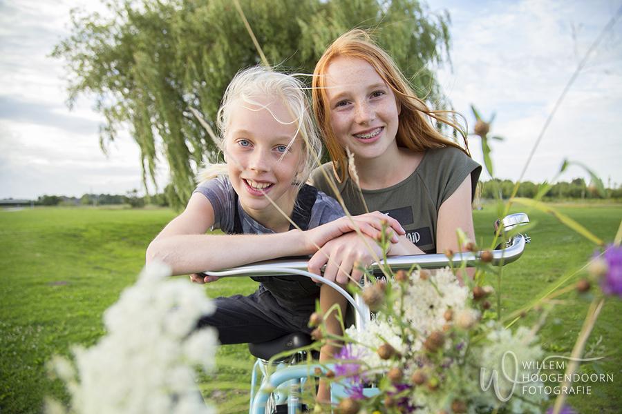 fotosessie gezin familiefotografie op locatie door Willem Hoogendoorn Fotografie, Maxima park, Vleuten De Meern